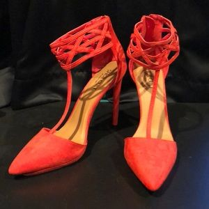 Shoe Cult by Nasty Gal red pumps